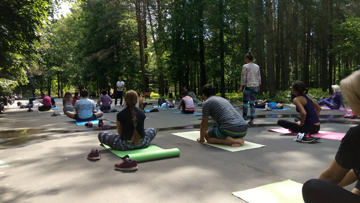 Йога в Центральном парке
